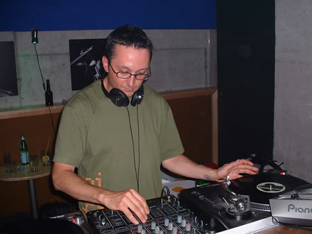 dj gerald belanger live@liquid nights in zurich